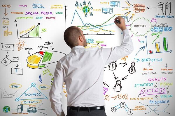 ¿Te interesa estudiar Mercadotecnia o Comunicación? ¡Conoce sus diferencias!